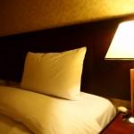旅行先で寝れない原因は!寝るための工夫や温泉の入り方を考察!