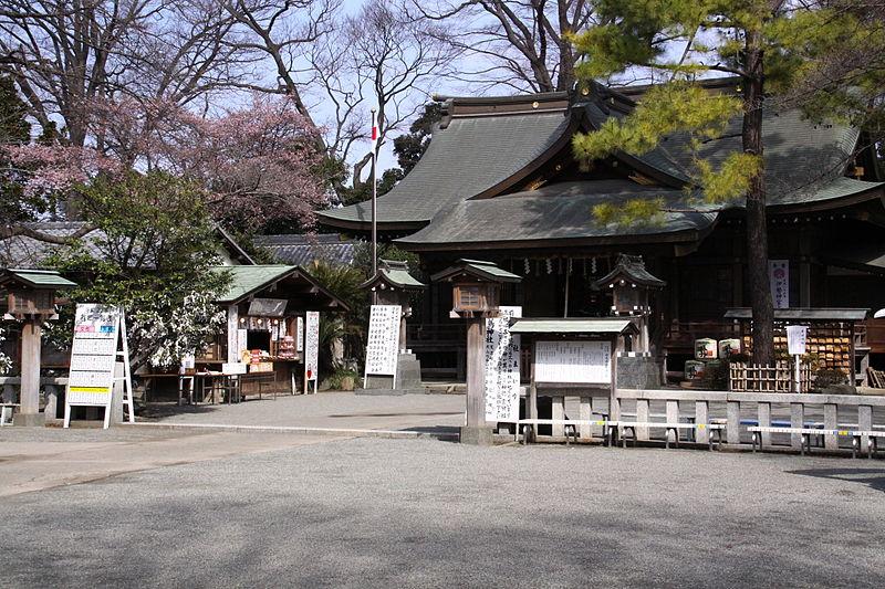 800px-Sakitori_jinja_Haiden