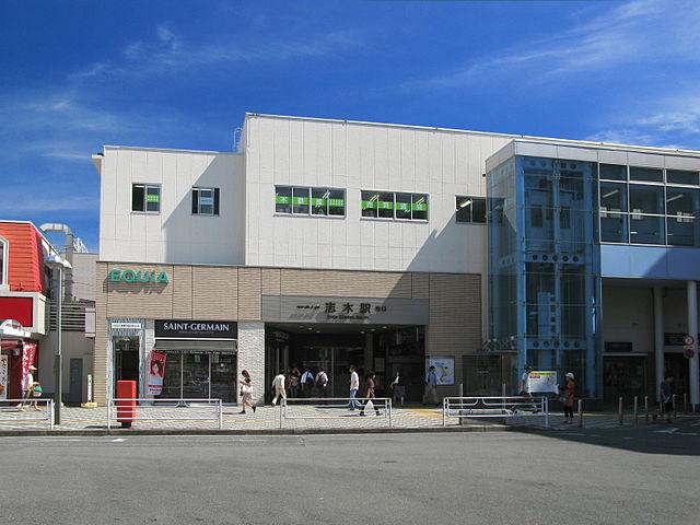 640px-Tobutojo_Line_Shiki_Station_South_Entrance_1